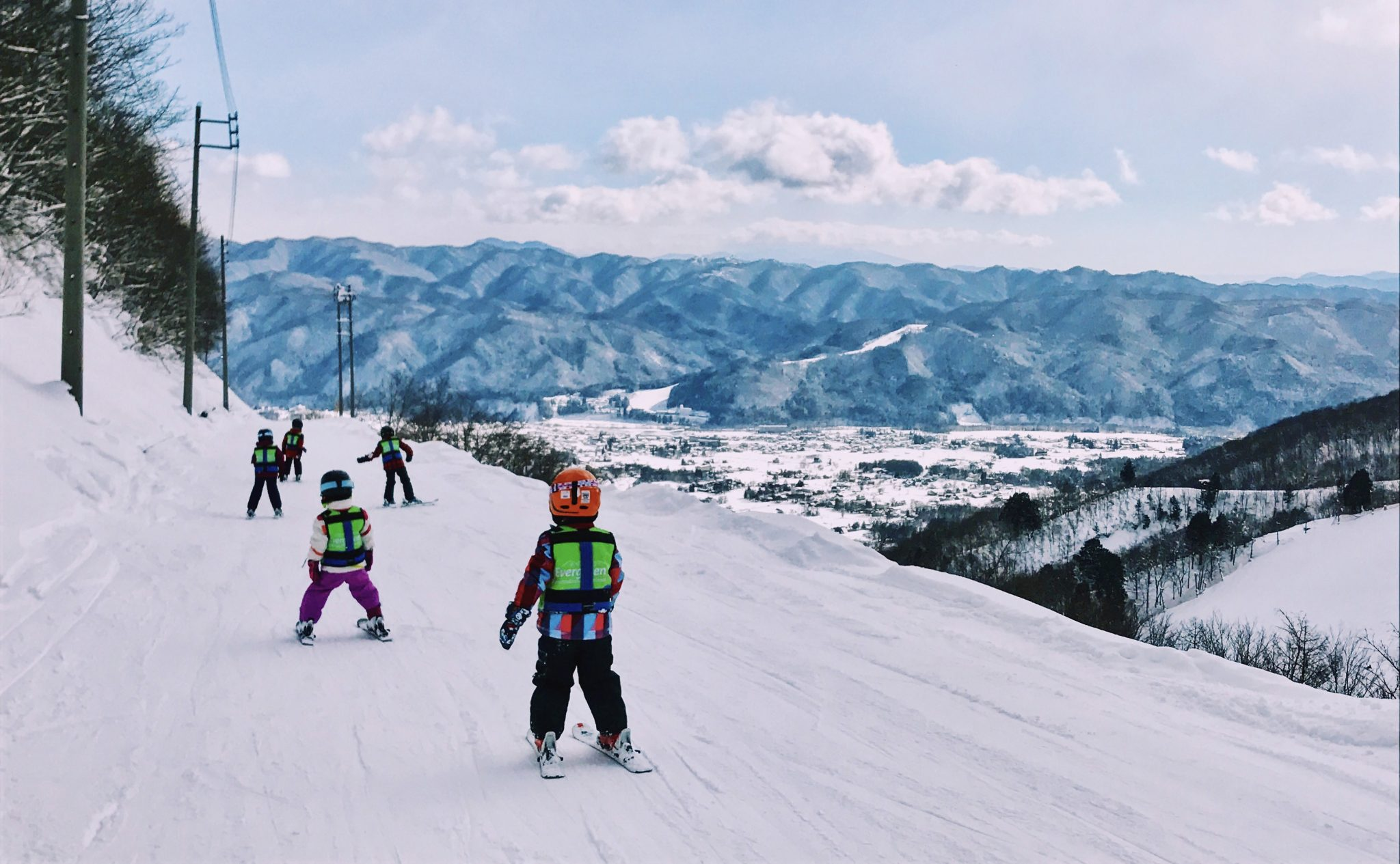 Snoworks GAP ski instructor in Japan on Gap year